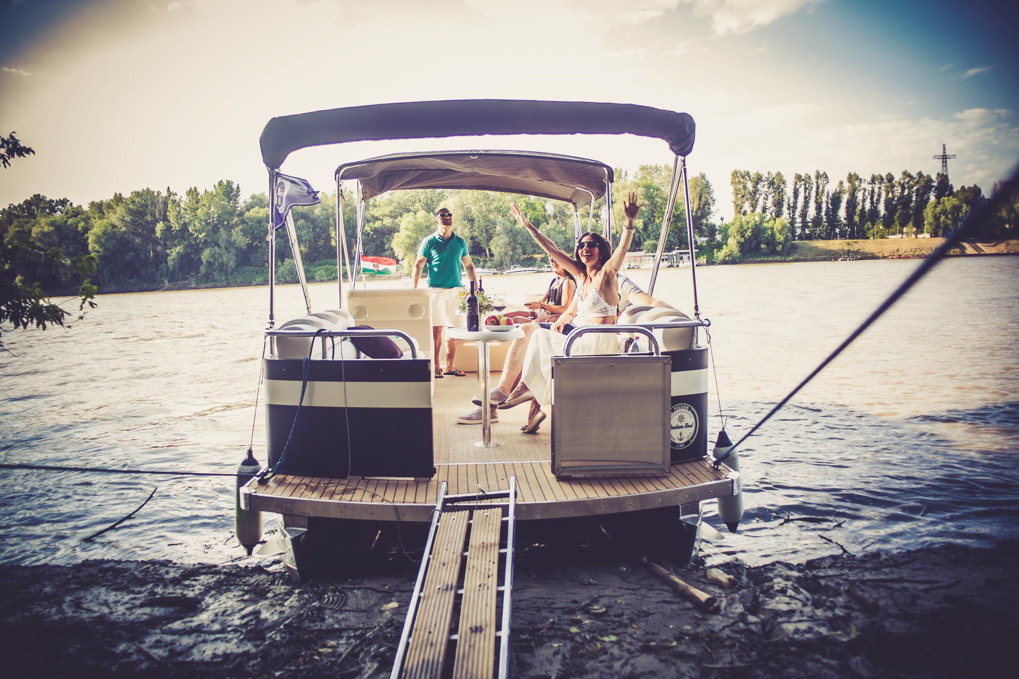 pontoonboat.hu-boat-8536